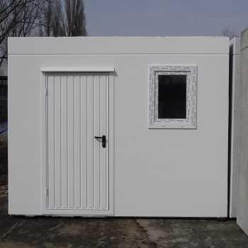 Tür und Fenster in Weiß im Anstellteil