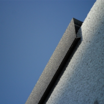 Dachrandabdeckung einer Betongarage