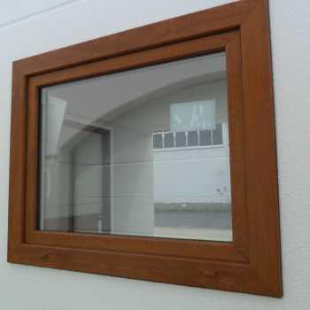 Fenster in Holzoptik