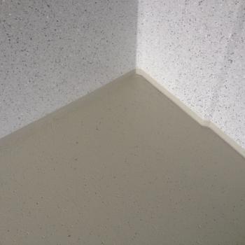 Fußbodenversiegelung einer Betonfertiggarage