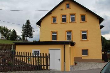 Doppelgarage mit Anbindung zum Haus