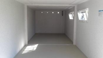 Innenraum einer Betongarage
