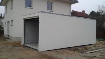 Betonfertiggarage mit Dachrandabdeckung