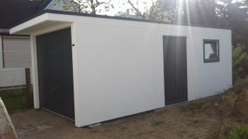 Betongarage mit Vordach Tür und Fenster