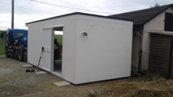 Broder Garage mit Seitentür
