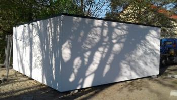 Seitenwand und Rückwand einer Betonfertiggarage